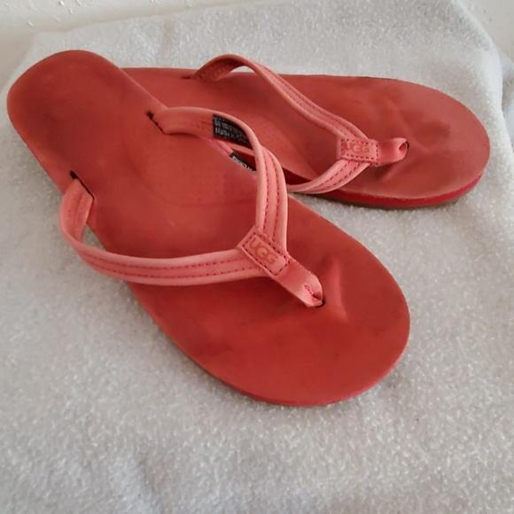 8263d5a6474 UGG Kayla red leather sandals flip flops sz 8